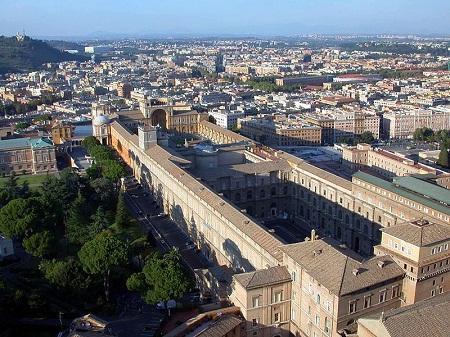 http://italia-ru.com/files/vatican_museums.jpg