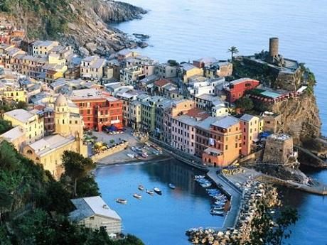 http://italia-ru.com/files/vernazza_cinque_terre.jpg