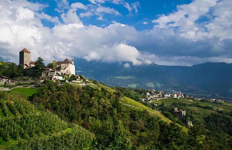 Больцано, вид на замок Мерано. Фото Thinkstock