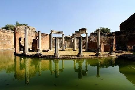 http://italia-ru.com/files/villa-adriana_0.jpg