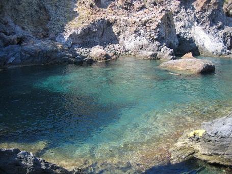 http://italia-ru.com/files/vulcano_piscine_venere.jpg